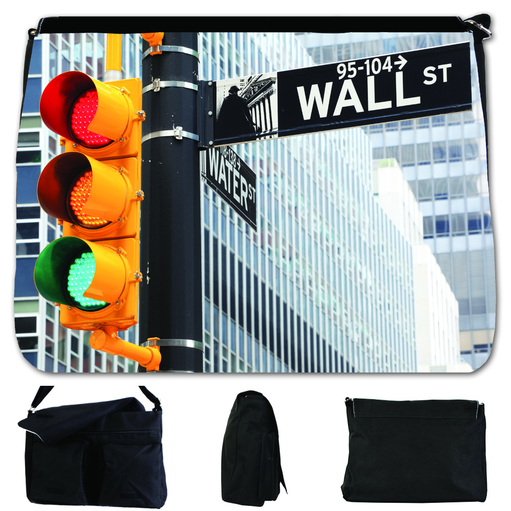 School bag new york - Wall Street Sign At Traffic Lights In New